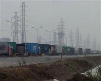 Gần 1 ngày đêm ùn tắc container tại cảng Đình Vũ kéo dài hàng chục km theo dọc QL5